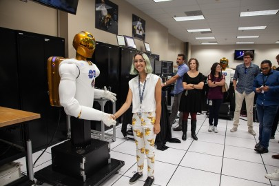 Meeting Robonaut in the NASA Robotics Lab