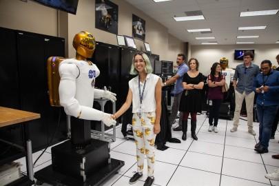 Meeting Robonaut in the NASA Robotics Lab