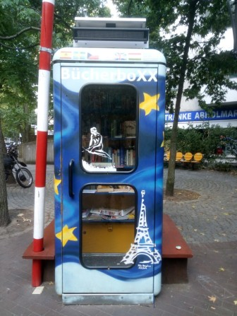 BücherboXX – a lovely little phonebooth-like box full of books in various languages. From German and English, to Greek, Arabic and Russian - take your pick!